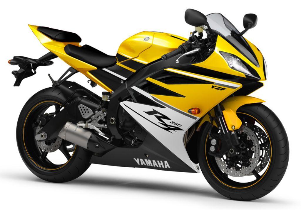satu tahun lebih. Bagaimana dengan Indonesia, hello Yamaha Indonesia