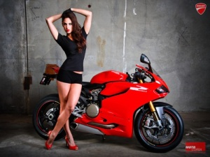 Ducati-1199-panigale-desktop-wallpaper-16